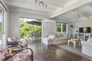 Blairgowrie Bella - light filled home with great deck - Accommodation in Bendigo